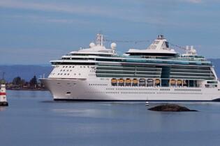 皇家加勒比國際遊輪~海洋珠寶號 西班牙(巴塞隆那、華倫西亞、帕爾馬)、 法國(塞特、馬賽、尼斯、科西嘉島)、 意大利(佛羅倫斯、拿坡里、羅馬)  13天郵輪假期套票(RLERJ13Q)