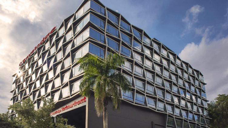 新加坡港灣彩鴻酒店+新加坡航空機票套票
