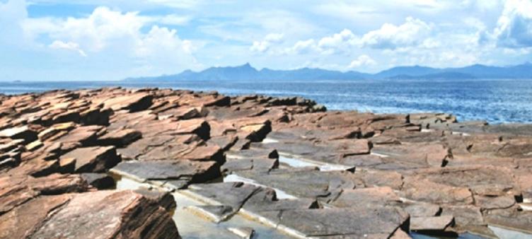 『東平洲』奇石群「千層糕」頁岩、更樓石、吉澳【地道海鮮午餐】一天遊(HWWKP01A)
